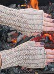 cute fingerless gloves to wear while knitting!!!