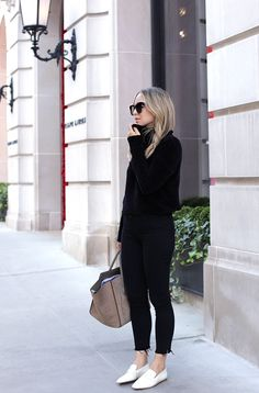 All Black Outfit with White Shoes. How To Style White Loafers. - Loafers Outfit - Ideas of Loafers Outfit - October 2 2017 Fall Style: The White Loafer Knit: Marbled Black Loafers Outfit, Loafers For Women Outfit, White Shoes Outfit, Brogues Womens Outfit, Style Casual, Casual Fall Outfits, Spring Outfits, Spring Shoes, Smart Casual