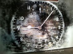 Dipinto su parete Time painting on the wall