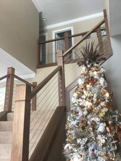 Looking for Modern Stair Railing Ideas? Check out our photo gallery of Modern Stair Railing Ideas Here. Cable Stair Railing, Modern Stair Railing, Stair Railing Design, Staircase Railings, Modern Stairs, Stairways, Railing Ideas, Banisters, Open Staircase