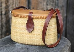 Hand-crafted Nantucket creel basket purse by Joni-Dee and David C. Ross | Bid on this item at the Folk School June Gala and Benefit Auction on June 28 at 5 p.m. in Brasstown, NC. #auction #folkschool #brasstown
