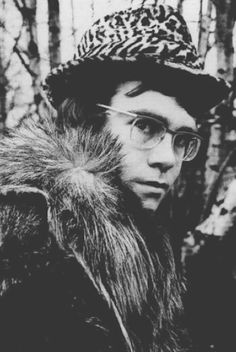"""Elton John 1968    """"If I was a sculptor, but then again no. Or a man who makes potions in the travelling show"""""""