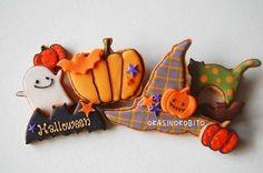 Halloween cookies Kawaii Halloween, Halloween Food For Party, Halloween Cookies, Halloween Boo, Fall Cookies, Cupcake Cookies, Sugar Cookies, Halloween Baskets, Sugar Icing