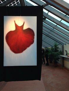 Come un cuore. Tutu di Rita Pedullà. Mostra presso il giardino Torrigiani a Firenze. Olio su tela. www.ritapedulla.it #tutu #ballerina #dance #red #heart #oiloncanvas #garden #painting #art