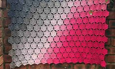 Although square-based blankets are great, you can have enough. For those instances, here is a beautiful pattern made of interlocking circles, almost like chain Crochet Blanket Patterns, Crochet Afghans, Crochet Blankets, Crochet Fingerless Gloves Free Pattern, Cute Crochet, Yarn Crafts, Beautiful Patterns, Pattern Making, Free Design