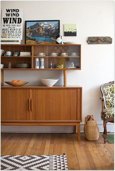 Design Sideboard Aus Vergangenen Zeiten. Bloß Nicht Neu Streichen! 50er  Jahre Möbel | Retro | | Möbel | Pinterest | Unique, Mid Century And  Bathroom Designs