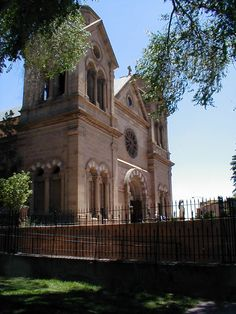 Santa Fe NM (photo by Barry Grossheim)