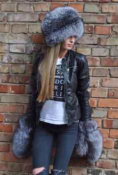 Silver fox full fur hat and mittens