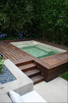 Appealing Pool Styles For Your Villa - http://www.interiordesigninspirations.com/interior-design/appealing-pool-styles-for-your-villa/