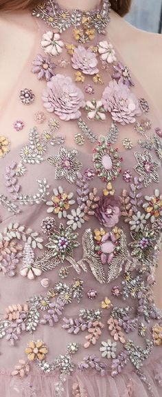 Embroidery designs floral haute couture 69 New ideas Couture Embroidery, Embroidery Fashion, Beaded Embroidery, Embroidery Designs, Couture Details, Fashion Details, Fashion Design, Fashion Ideas, Outfit Chic