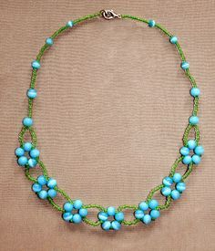 pattern for  Blue Flowers - easy beginner project using larger beads for daisy stitch. #Seed #Bead #Tutorials