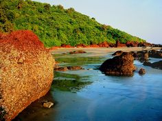 Awesome rocks & colours at Vaiguinim coastline, near Panjim, Goa