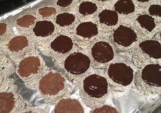 Recept: Kozák sapka (hólabda) cukormentesen, az ünnepekre | Stop Sugar Muffin, Sweets, Sugar, Gummi Candy, Candy, Muffins, Goodies, Cupcakes, Treats