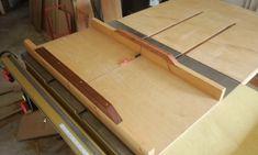 테이블쏘와 놀기 - 4. 없으면 아쉬운 테이블쏘를 위한 지그와 악세사리 10가지 : 네이버 블로그 Diy And Crafts, Woodworking, Tools, Home Decor, Instruments, Decoration Home, Room Decor, Carpentry, Wood Working
