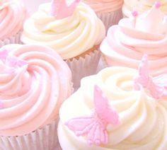kawaiistomp:  Pretty in pink cupcakes ~ (photo credit in source link)