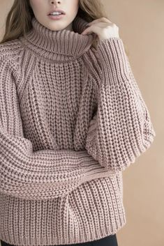 Smart Casual Outfit, Sporty Outfits, Hand Knitted Sweaters, Knit Fashion, Winter Fashion Outfits, Knitting Designs, Knitwear, Sweaters For Women, Crochet Winter