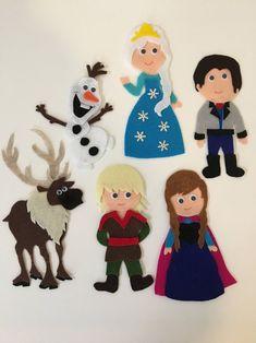 Frozen Felt Board Pattern with Anna Elsa Olaf Sven Hans Puppet Crafts, Felt Crafts, Frozen Felt, Felt Board Patterns, Felt Board Templates, Elsa Olaf, Anna Kristoff, Felt Ornaments Patterns, Felt Board Stories