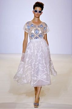 Temperley London - Spring Summer 2013 Ready-To-Wear - Shows - Vogue. Fashion Week, Runway Fashion, Spring Fashion, Fashion Show, Fashion Design, London Fashion, Boho Fashion, High Fashion Dresses, Fashion Outfits