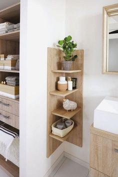 a look at some of the most popular bathroom decor from small bathroom decor modern bathroom to bathroom remodel designs Small Bathroom Storage, Bathroom Shelves, Small Space Bedroom, Small Spaces, Modern Bathroom Decor, Bathroom Colors, Bathroom Designs, Cool Apartments, Space Saving