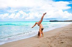 Korkkarit rinkassa  handstand beach Handstand, Reiss, Gymnastics, Yoga, Beach, Sports, Fitness, Hs Sports, The Beach