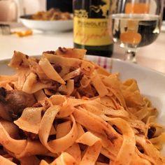 First dinner with all the bloggers! Primeiro jantar em Bolonha com os blogueiros do #BlogVille! - Instagram by vontadedeviajar