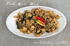 MoFo'n Pad Kee Mao - or- Drunken Noodles for 2 | Vegan4One | Bloglovin'