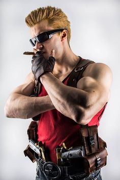 Here's Leobane Cosplay chanelling both Duke Nukem and, perhaps, a touch of Johnny Bravo as well.