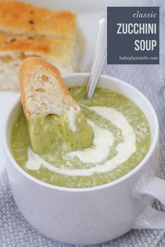 A healthy and creamy zucchini soup recipe that will be ready in less than 30 minutes! The perfect way to use up zucchinis! Lunch Box Recipes, Soup Recipes, Cooking Recipes, Creamy Zucchini Soup, Healthy Zucchini, Thermomix Soup, Winter Soups, Low Calorie Recipes, Kids Meals