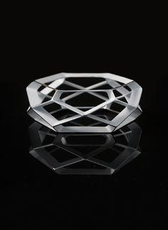 654 Braclet. Designer: Thomas Feichtner Producer: FAB Atelier #ThomasFeichtner #AustrianDesign #viennadesign #jewellerydesign #austriandesign #silverjewellery