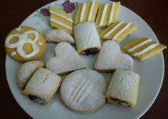 Kukoricalisztes teasütemény Food And Drink, Cookies, Breakfast, Desserts, Recipes, Crack Crackers, Morning Coffee, Tailgate Desserts, Deserts