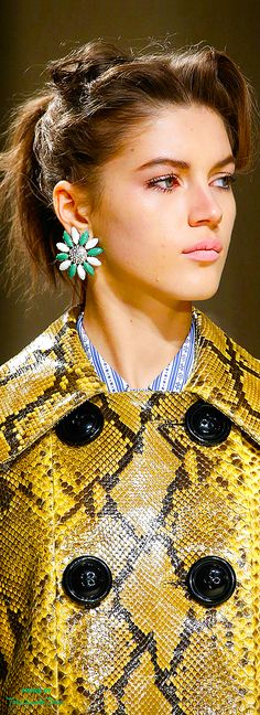 cd019988bf82 Miu Miu Fall 2015 RTW detail ♔THD♔ Fashion Details