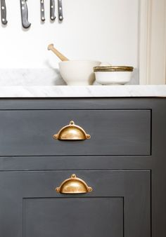 Take a look at our hardware installed on some of our client's beautiful projects for your own inspiration in the below gallery. Bespoke Kitchens, Luxury Kitchens, British Home, Luxury Kitchen Design, Latest Design Trends, Studio Kitchen, Paint Brands, Georgian Homes, Kitchen Handles