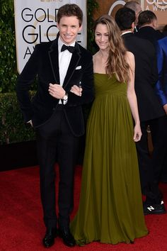 Golden Globes Eddie Redmayne and Hannah Bagshawe Golden Globe Award, Golden Globes, Fashion Idol, Elements Of Style, Red Carpet Event, Bridesmaid Dresses, Wedding Dresses, Beautiful Couple, Red Carpet Fashion