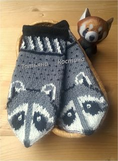 Knitted Slippers, Knit Mittens, Knitted Gloves, Knitting Socks, Baby Knitting Patterns, Knitting Stitches, Learn How To Knit, Mittens Pattern, Fair Isle Knitting