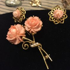 Vintage peach rose and brooch earring set Pretty little set of earrings and brooch. Clip earrings and safety latch on the pin. Jewelry Brooches