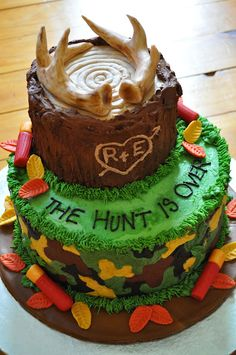 deer hunting cake 2 tier  @Courtney Shade - not a sweet 16 idea, but a wedding cake idea for you, lol I wanted to show you, but didnt want it on my board!