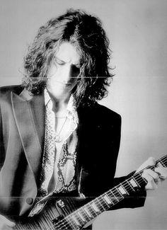 Joe Perry → Aerosmith