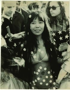 http://www.smithsonianmag.com/arts-culture/yayoi-kusama-high-priestess-of-polka-dots-53981061/