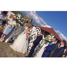 �� 27.05.2017 ��  Вчера был такой замечательный день, День создания Вашей семьи ���� Цените и храните те чувства, которые испытываете друг к другу. Именно те которые были в ваших глазах в Этот день ��  #golevywedding #goodday #weddingday #weddingdecor #happy #bride #likefortag #likeforlike #crimea #beauty #beautiful http://gelinshop.com/ipost/1524772533818924450/?code=BUpFIp5jJ2i