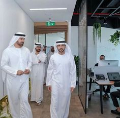 @faz3 🇦🇪 H.H Sheikh Hamdan bin Mohammed bin Rashid Al Maktoum, Crown Prince of Dubai and Chairman of the Board of Trustees at the Dubai Future Foundation (DFF), accompanied by Deputy Ruler of Dubai HH Sheikh Maktoum bin Mohammed bin Rashid Al Maktoum, visited the Foundation's headquarters, their Highnesses viewed some of the Foundation's top initiatives, in Jumeirah Emirates Towers, Dubai. 04/10/2017  #FazzafanThailandsince2012