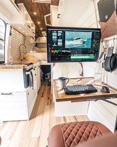 Van Conversion Interior, Camper Van Conversion Diy, Van Interior, Van Conversion Office, Bus Camper, Camper Life, Bus Living, Tiny Living, Van Life