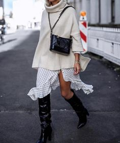 "2,207 Likes, 6 Comments - Inspo Lola (@street_style_corner) on Instagram: ""Como sacar partido a la faldas de verano ✔️✔️✔️Summer skirt, how to take advantage ✔️✔️📷…"""
