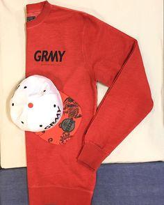 Combinación #grimey en rojo!! Sudadera y gorra, disponible en CIENTO-SIETE // Red grimey combination !! Hoodie and cap, you can find in CIENTO-SIETE #shop #streetwear #skate #cap #hoodie #sudadera #cientosiete #streetstyle #fashion #ourense #galicia