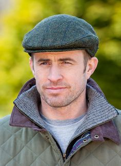 Irish 100% wool mucros weavers trinity cap hat moss green blue line aran 250 c0693011e1e2