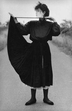 """Fashion photo for""""Sibylle"""", Lehnitz, Brandenburg, 1984, Copyright: Ute Mahler/OSTKREUZ"""