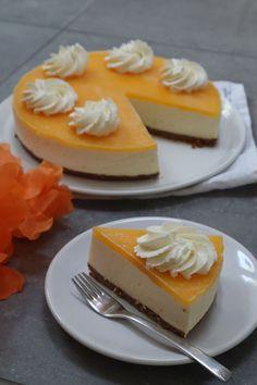 Yoghurt cake with Companion - HQ Recipes Dutch Recipes, Baking Recipes, Mascarpone Cake, Pie Cake, Pie Dessert, Cake Tins, Healthy Treats, Quick Easy Meals, Chocolate Recipes