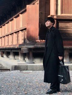 三十三間堂行きました。 全身黒です。 dulcamaraのコート気に入りすぎました。