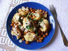 Vöröskaktusz diétázik: Keleti csicseriborsó-karfiol saláta tahini szóssza... Cauliflower, Food And Drink, Vegetables, Cilantro, Cauliflowers, Vegetable Recipes, Cucumber, Veggies