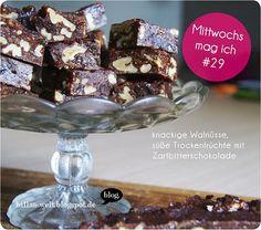 Walnuss-Panforte, mit vielen Trockenfrüchten, Walnüssen, Gewürzen und dunkler Schokolade