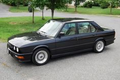 my absolute dream car - an old 1980s BMW
